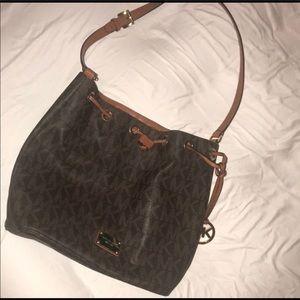 Michael Kors Bags - Michael Kors Large Jules Drawstring Shoulder Bag
